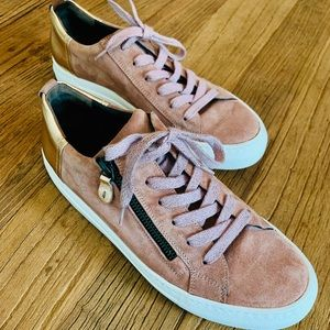 PAUL GREEN: pink suede + rose gold leather